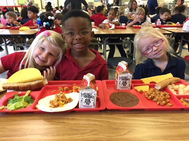 Healthy Kids Day - Students enjoying lunch