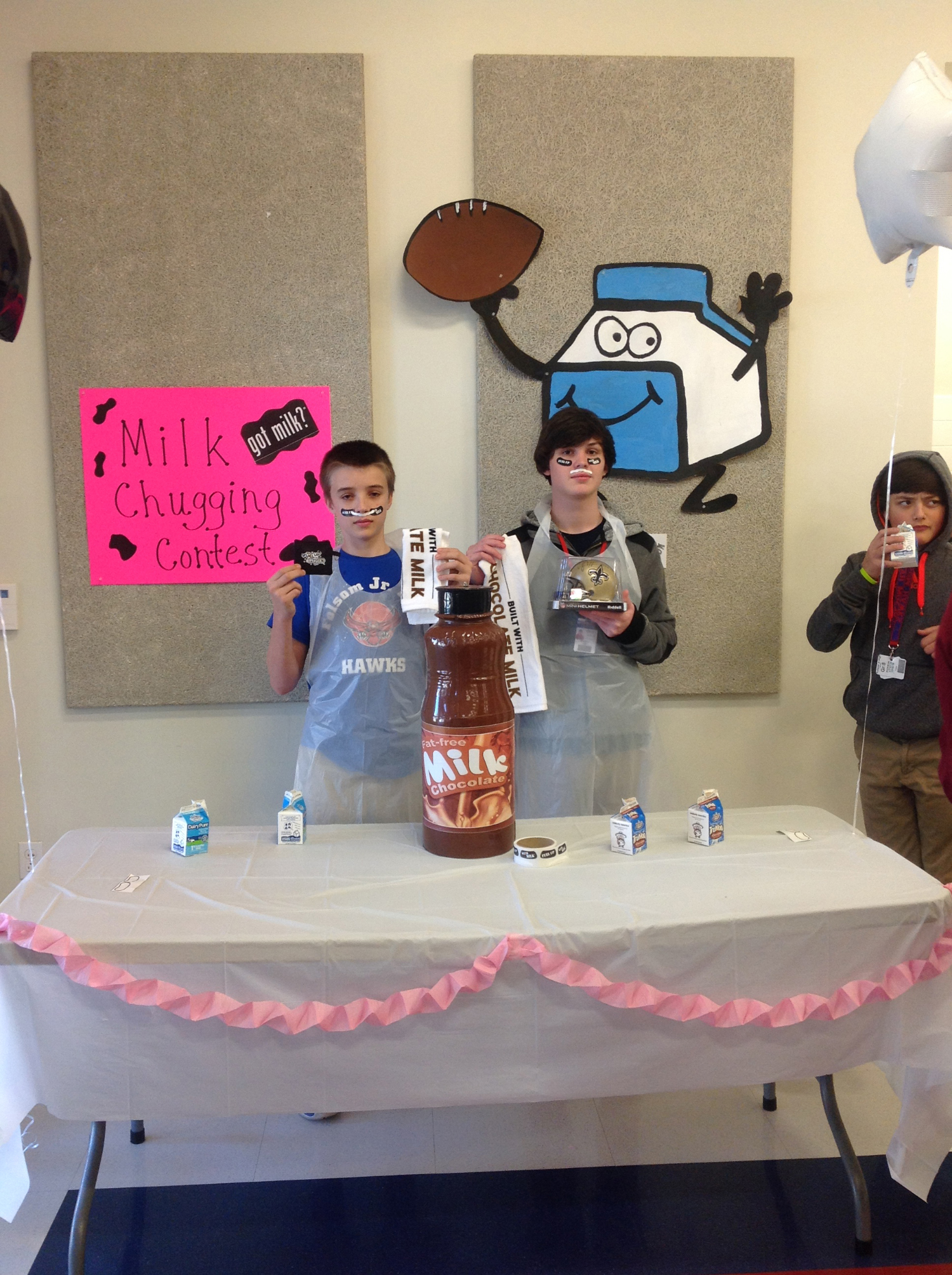 Folsom Jr. High School's Milk Day Chugging Contest Image 2