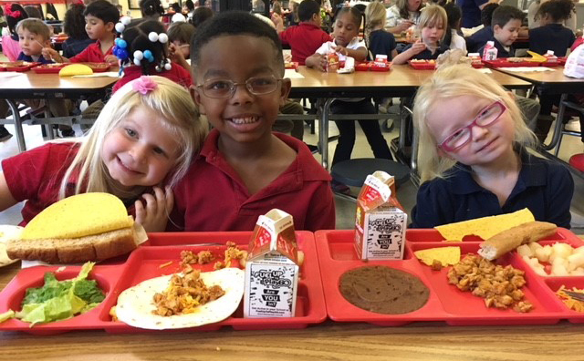 Healthy Kids Day - Lyon Elementary students enjoying lunch